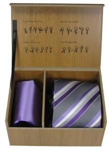 Krawatte und Einstecktuch in praktischer Box
